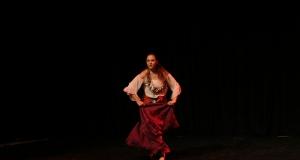 Яна С.е студент по балет и хореография във Великобритания - 2015г .